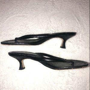 ‼️👠‼️BOGO 50% OFF! Daisy Fuentes black heels!